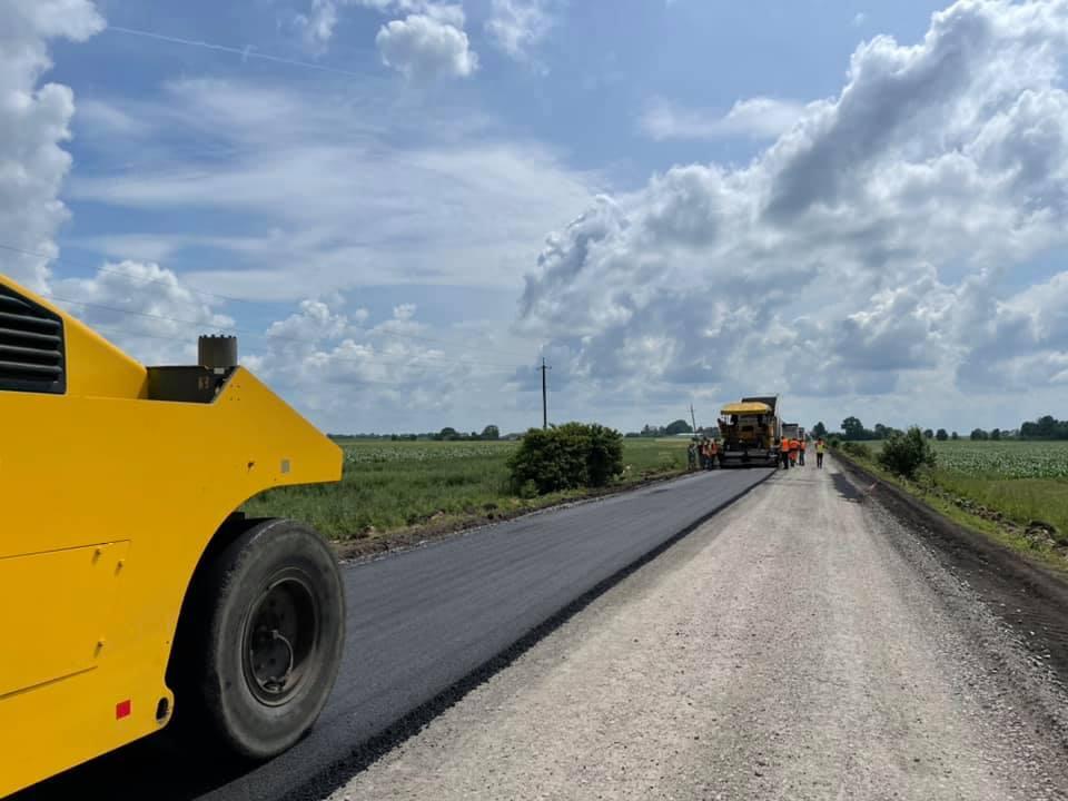 Ремонт дороги у найвіддаленішому селі Великоберезовицької громади на завершальному етапі (ФОТО, ВІДЕО)