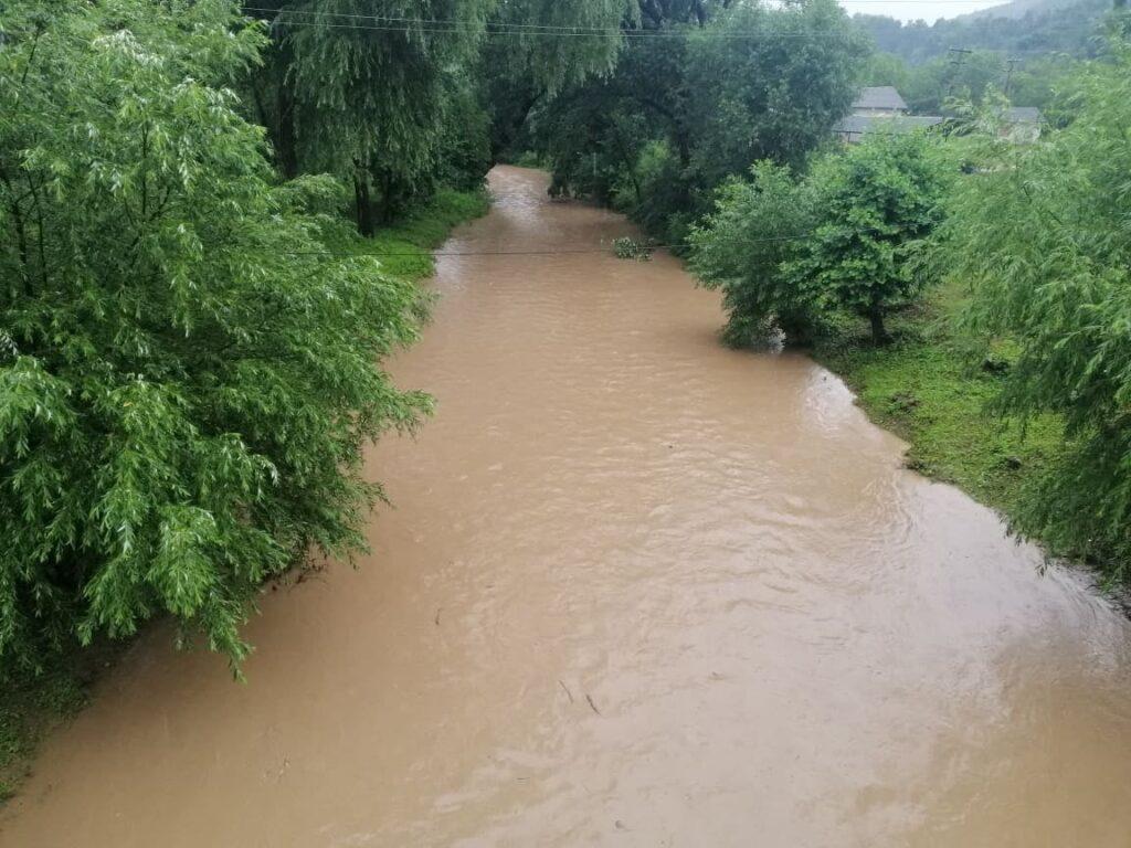 Водна стихія дісталася до Тернопільщини: перші серйозні збитки (ФОТО)