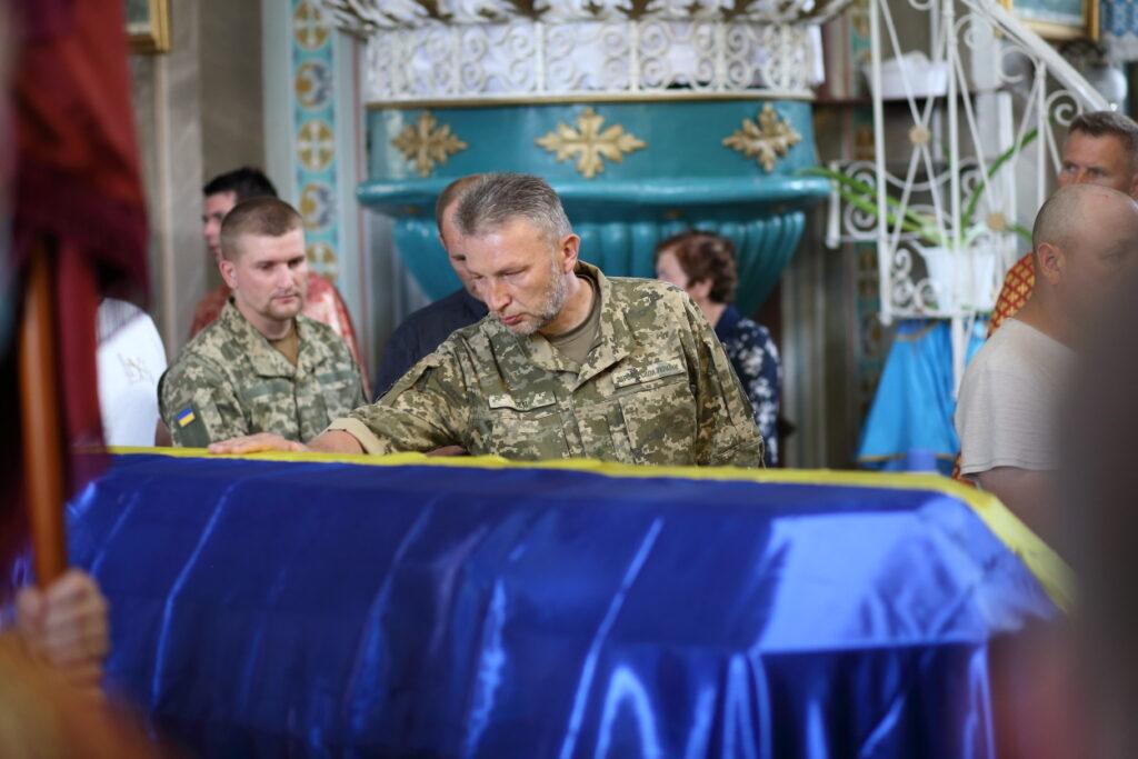 На Тернопільщині провели в останню путь загиблого бійця Володимира Яськів (ФОТО)