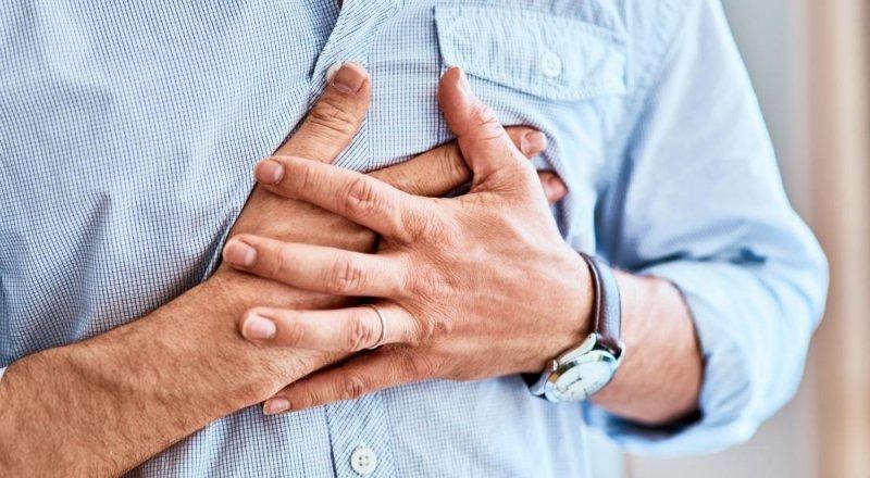 Удар в груди під час сварки: у Тернополі рятували 27-річного чоловіка
