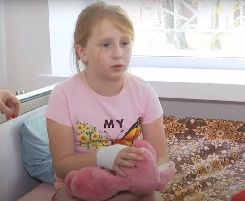 Дитина в лікарні, батьки готують позов до суду: продовження історії про несправний автомат з іграшками у Тернополі (ВІДЕО)