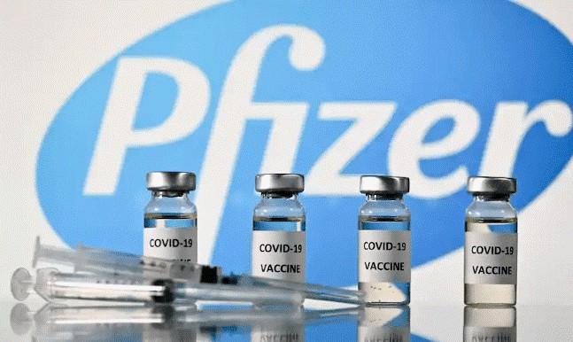 Заява Pfizer: від Covid-19 необхідно три дози вакцини