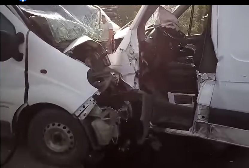 Лобове зіткнення: подробиці потрійної сметельної аварії в Кам'янках (ВІДЕО)