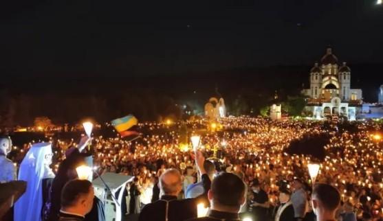 Захоплює дух: неймовірне відео походу зі свічками на Всеукраїнській прощі в Зарваниці