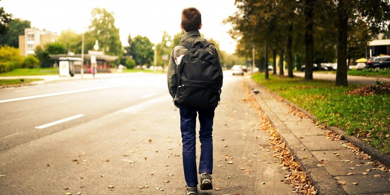 У Тернополі 12-річний хлопчик пішов з дому: батьки подзвонили у поліцію