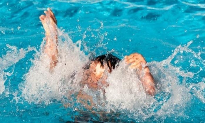 Дитина хотіла переплисти ставок: на Бучаччині втопився 13-річний хлопчик