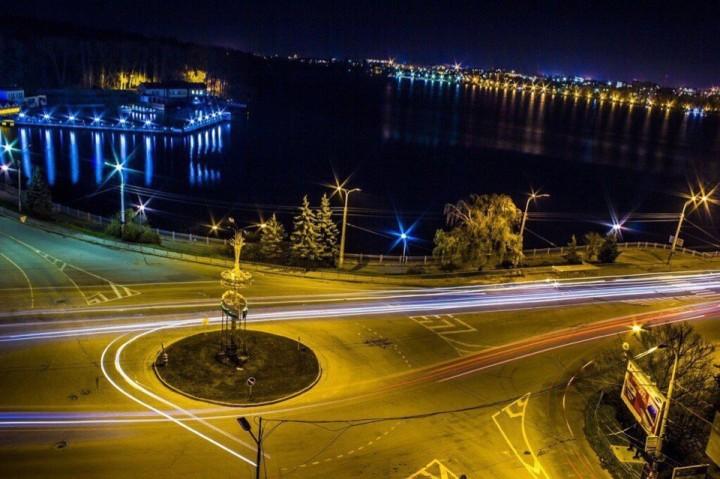 У Тернополі просять зробити освітлення проїжджої частини темної пори доби