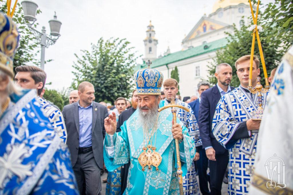 У Почаївську лавру на гвинтокрилі нардепа прилітав глава Московського патріархату (ФОТО)