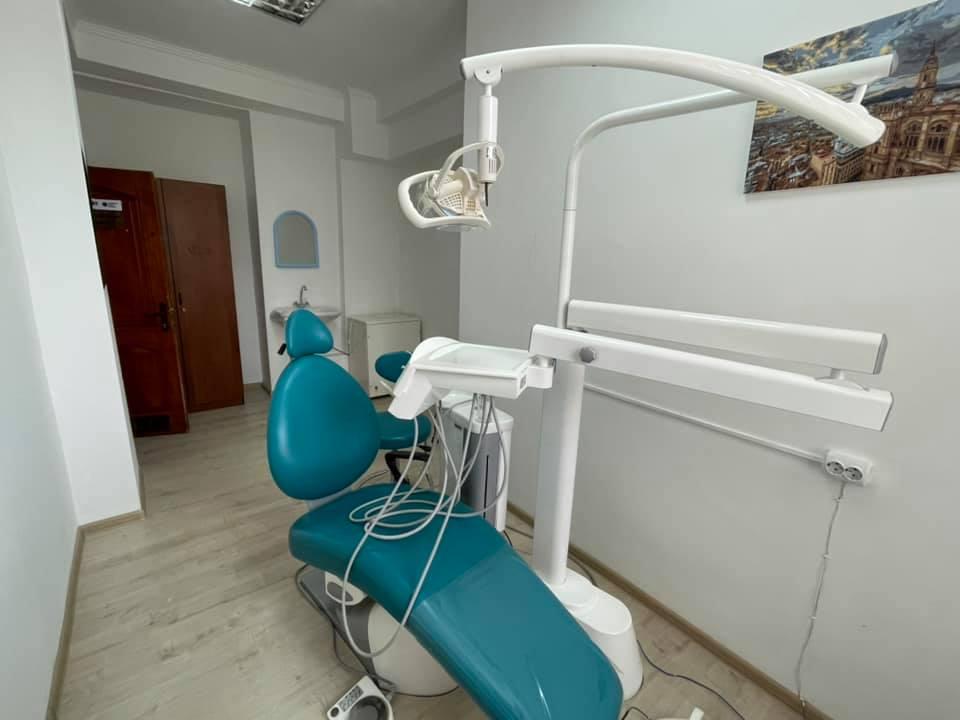 У Тернополі з'явилось місце, де безкоштовно лікуватимуть зуби (ВІДЕО)