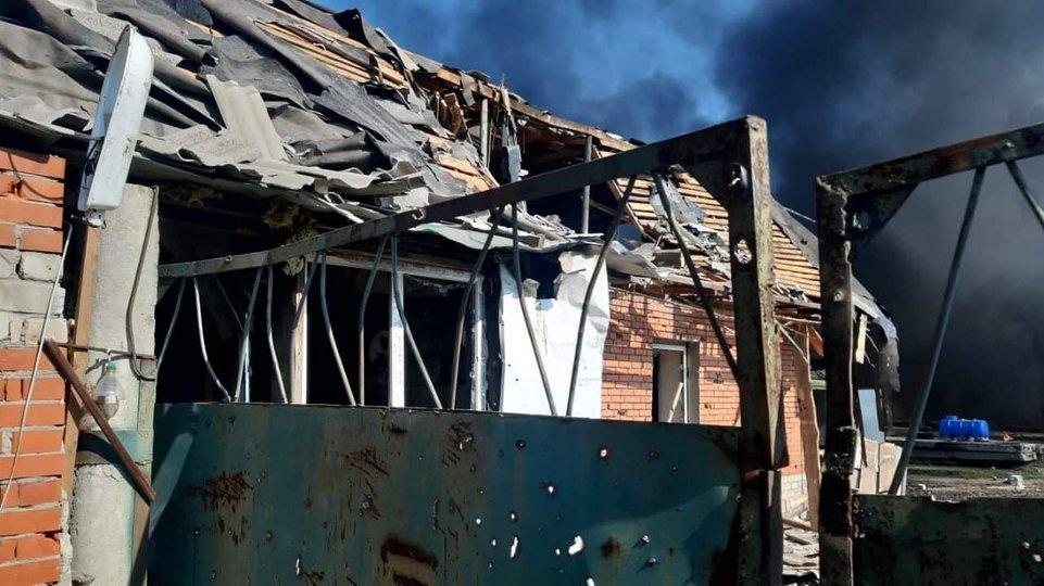 Окупанти здійснили масштабний артилерійський обстріл Авдіївки — поранені восьмеро українських бійців