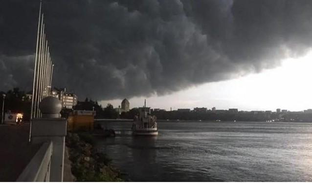 На Тернопільщині очікують погіршення погоди: сильний вітер та град