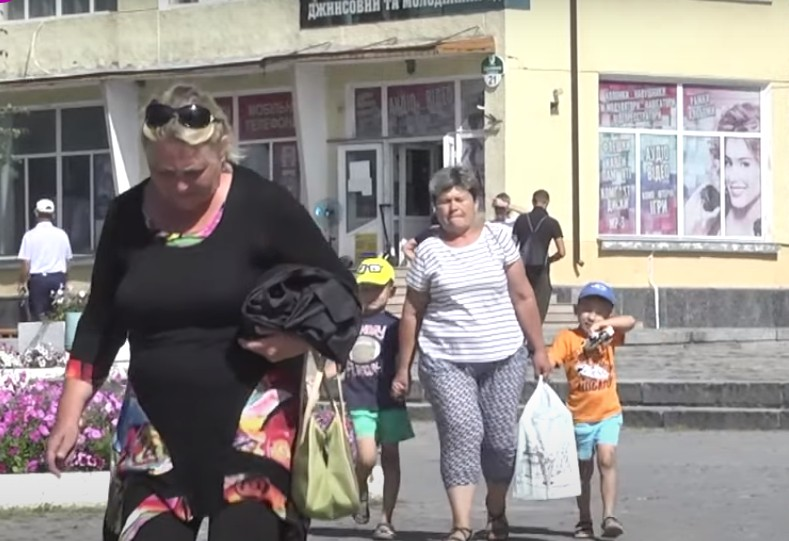 На Тернопільщині неповнолітнім заборонили виходити ввечері на двір та ввели комендантську годину (ВІДЕО)