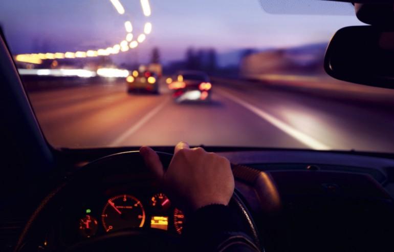 На Кременеччині водій підвіз хлопця, а той віддячив йому крадіжкою