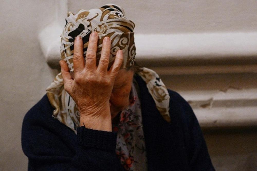 На Кременеччині обікрали пенсіонерів: викрали понад 230 тисяч гривень та 6 золотих виробів