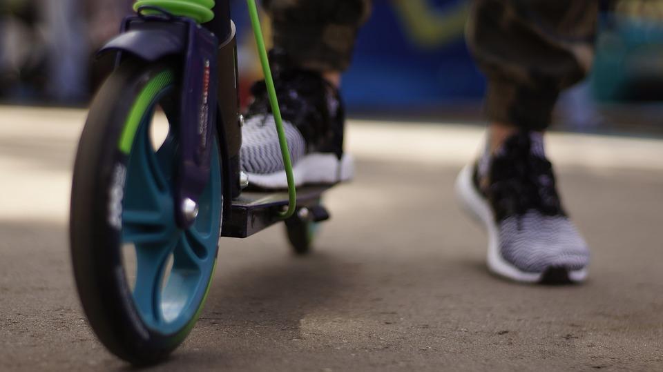 Збитки 4000 грн: у Тернополі 13-ти річний хлопець обікрав дитину