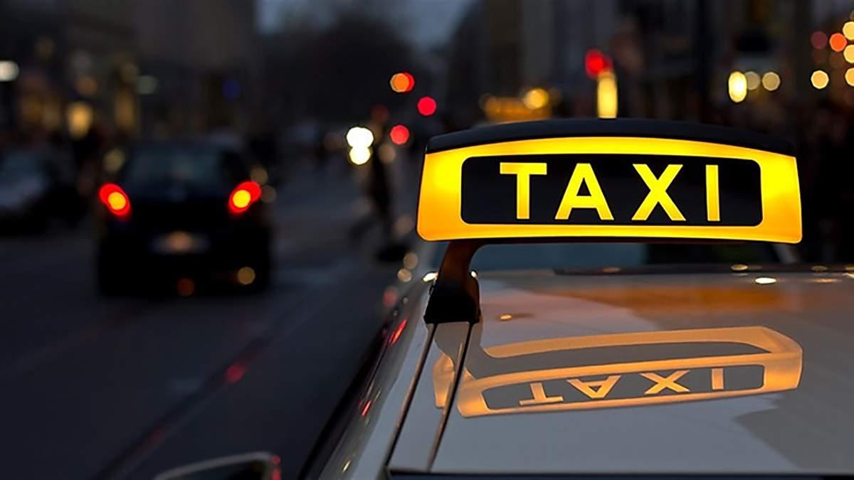 На Тернопільщині судили таксиста, який побив п'яного клієнта