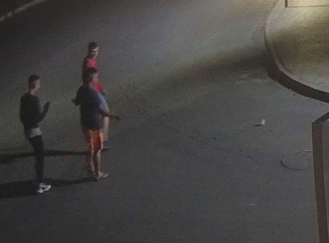 Як покарали неповнолітного вандала у Збаражі, який розбив парковий світильник