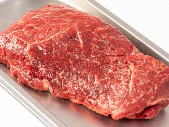 Чому під час СOVID-19 та інших захворювань варто відмовитись від м'яса, розповіли дієтологи