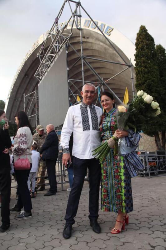 Нардеп з Тернопільщини поділився своєю історією кохання (ФОТО)