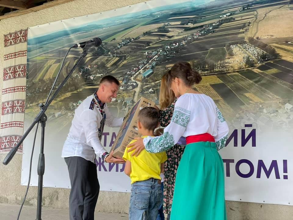 Перший заступник голови облради поділився спогадами про рідне село (ВІДЕО)