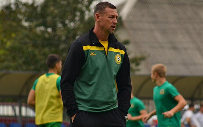 Екс-тренер Ниви може очолити клуб Прем'єр-ліги. А хто готуватиме Ниву?