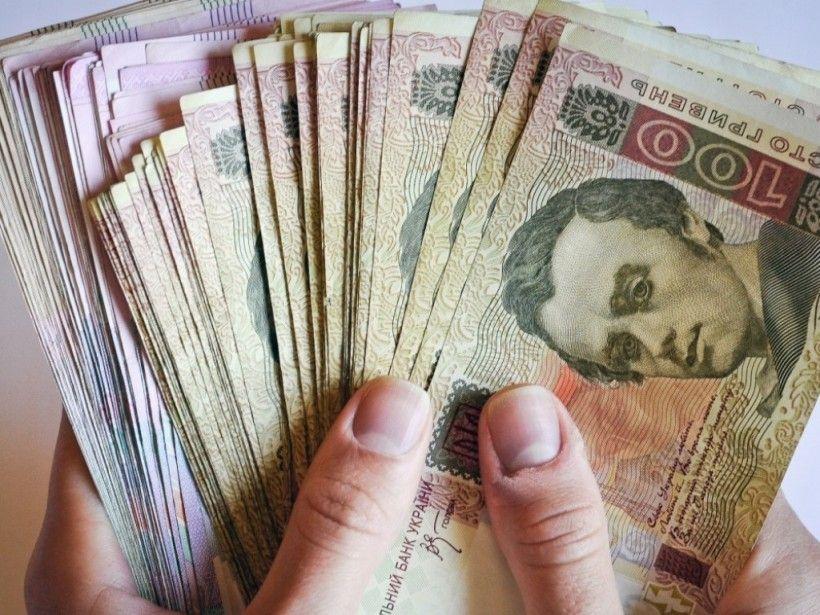Викрав конверт з грішми: у Тернополі злодій зайшов в офісне приміщення і забрав із робочого столу 16000 грн