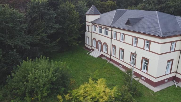 Залізничний вокзал без колії: історія будівництва на Тернопільщині, яке не втілити в життя (ВІДЕО)