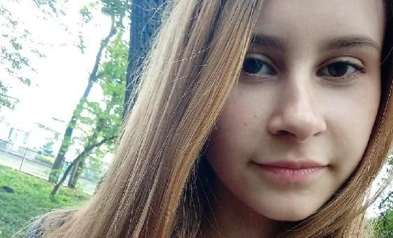 Дівчинці стає гірше і гріше, а точний діагноз не встановили досі: 15-річна Настя потребує термінової допомоги (ФОТО)