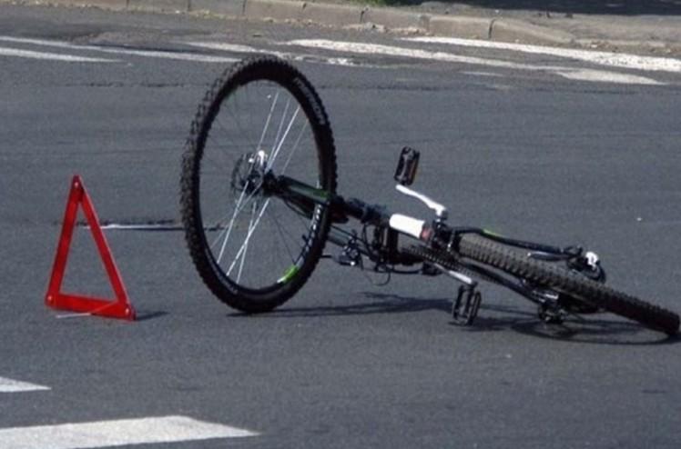 """У Тернополі водій на """"Тойоті"""" збив 18-річного велосипедиста"""