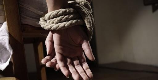 Резонанс на Тернопільщині: подружжя катувало та сексуально знущалось із чоловіка. Потерпілий помер