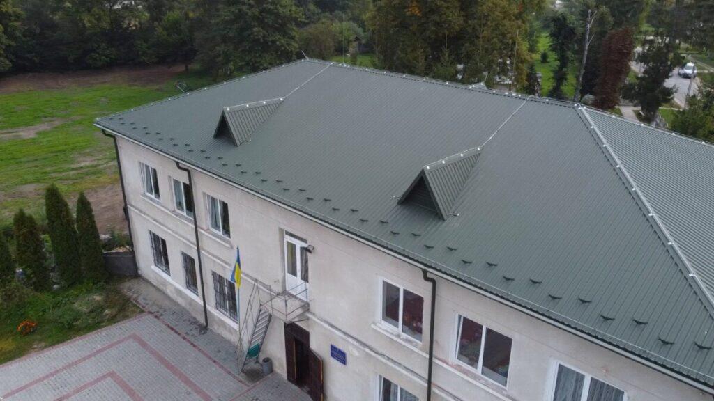 Сказано—зроблено: школа у Буцневі навчальний рік розпочала з новим дахом