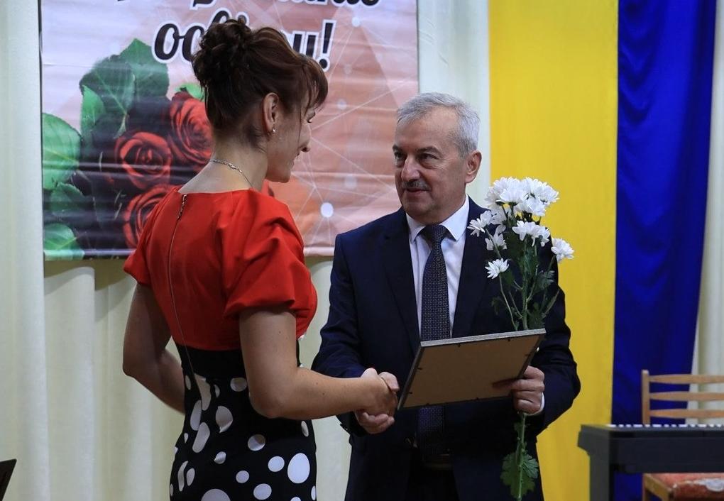 На Тернопільщині відбулись урочистості з нагоди прийдешнього Дня працівника освіти (ВІДЕО)