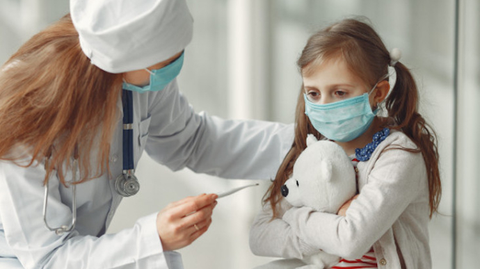 На Тернопільщині на COVID-19 масово хворіють діти