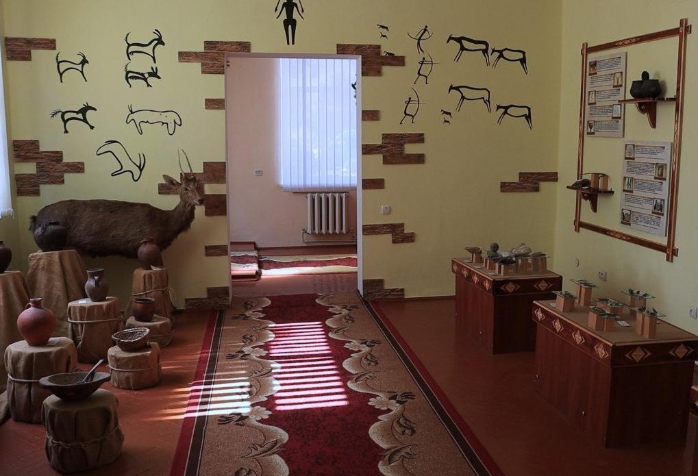 У Борщівському музеї є унікальні експонати з історії України від давніх часів до сьогодення (ВІДЕО)