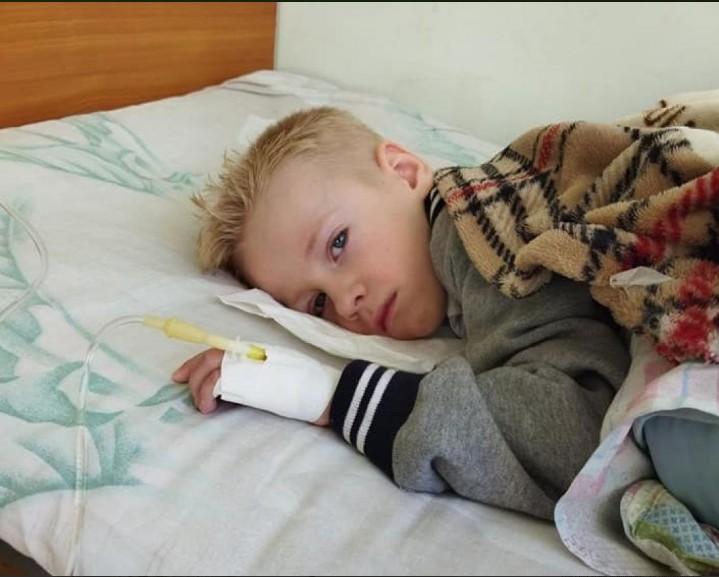 """""""Материнське серце розривається"""": на Тернопільщині залишилась одна дитина, яка не отримала дорогоцінний препарат від СМА"""