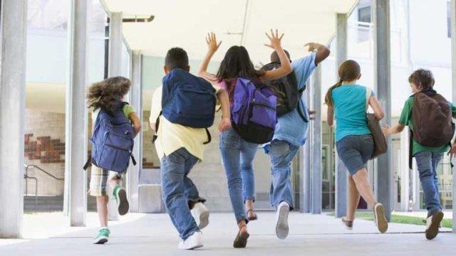 Ситуація погіршується: МОЗ рекомендує відправити учнів на канікули з 18 жовтня